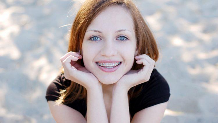Consejos y cuidados que debes tener en cuenta si llevas ortodoncia